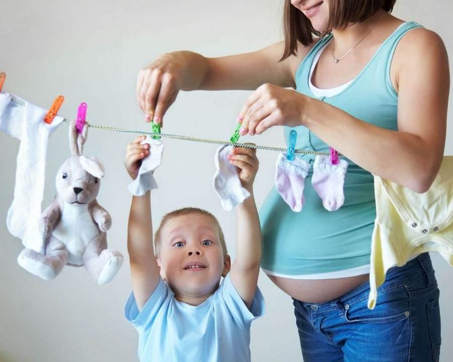 Как безопасно отбелить детские белые вещи