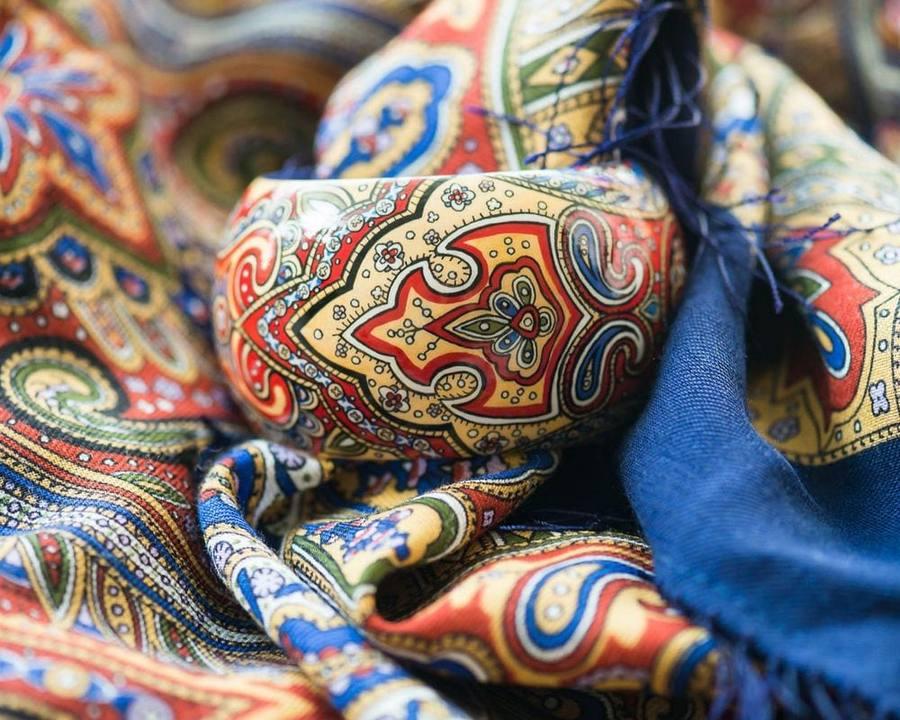 Шерстяной платок с ухорами