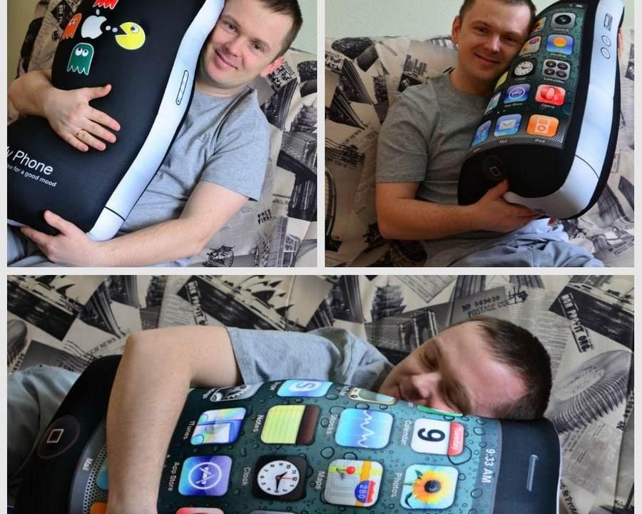 Подушки с формой телефона