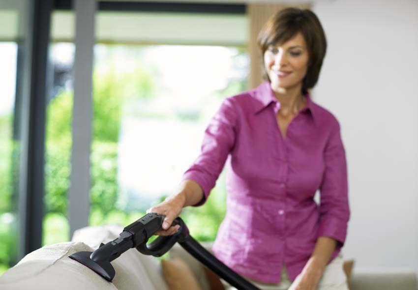 Виды пароочистителей для чистки мягкой мебели