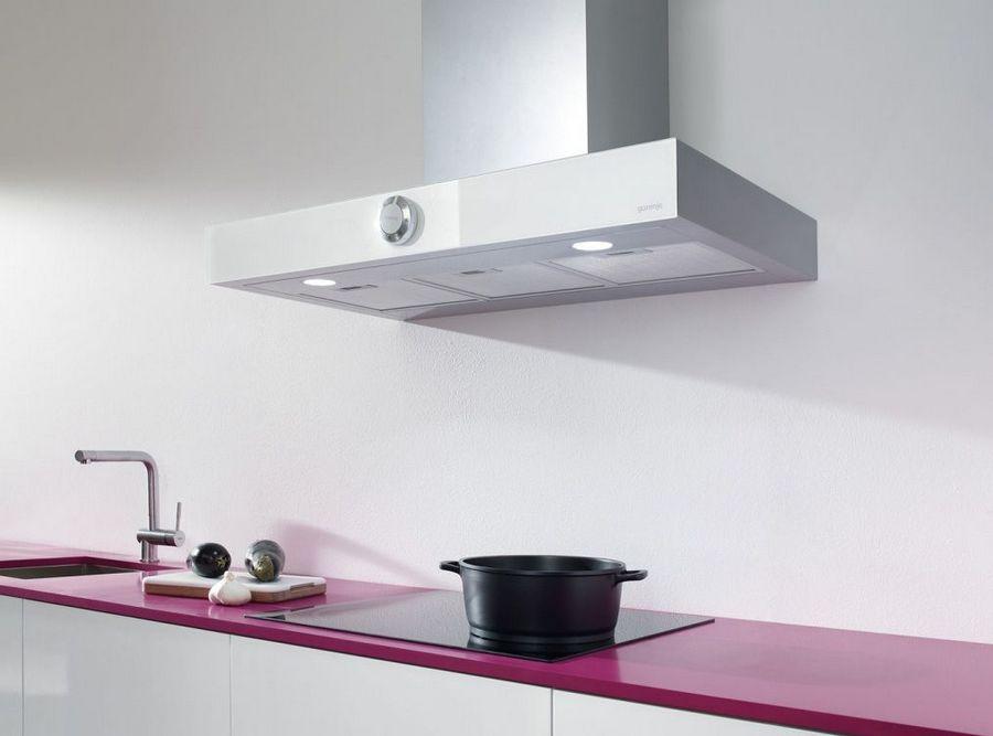 Отмываем и чистим вытяжку от жира на кухне
