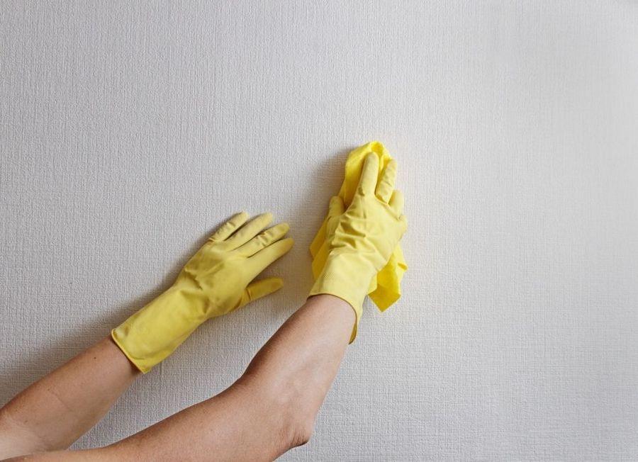 Мытье обоев